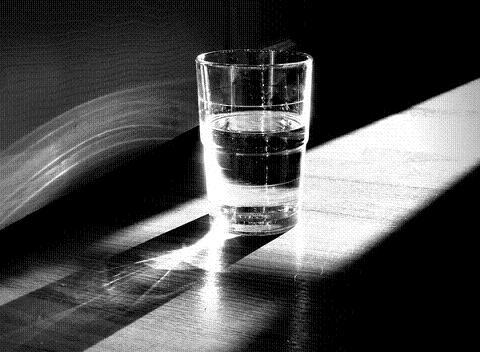 vaso medio lleno