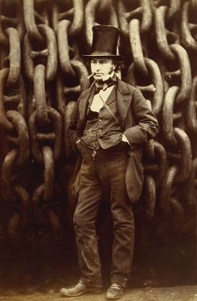 800px-Robert_Howlett_(Isambard_Kingdom_Brunel_Standing_Before_the_Launching_Chains_of_the_Great_Eastern),_The_Metropolitan_Museum_of_Art_(cropped)_392x600